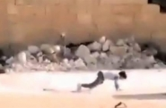 فيديو| طفل سوري يخدع قناصًا لإنقاذ أخته