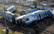 حادثة مأساوية بالجزائر: قتيل وحوالي 100 جريح في انحراف قطار