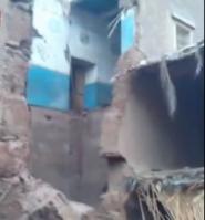 فيديو : منازل بدون جدران ..و السبب الامطار الاخيرة قرب ألنيف