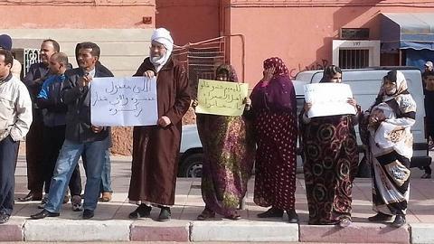 """كلميم تهتف: يا أمير المؤمنين خرجوا علينا المُفسدين و الضريس أمام """"أعنف هجوم"""" في تاريخه"""
