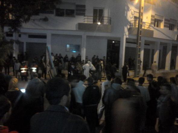 أكادير :  لحظة سقوط فتاة بحي السلام من الطابق الثالث