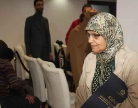 دفن جثمان المرحومة خديجة المالكي أرملة عبد السلام ياسين بعد التزام أقربائها  باحترام أحكام الشريعة الإسلامية (ولاية الرباط(