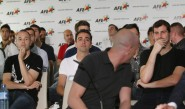 لاعبون إسبان كبار يهددون بالإضراب بسبب حقوق البث التلفزيوني