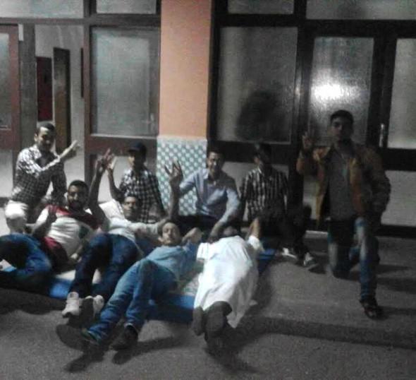 جامعة ابن زهر — إعتصام مفتوح و مبيت سلمي لطلبة المجازين و عميد الكلية يهدد بجلب الامن