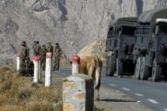 مقتل 14 جنديا جزائريا والقاعدة تتبنى