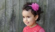 لماذا يثني الطفل لسانه عند التفكير؟