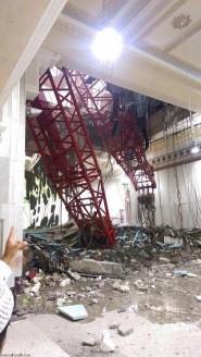 فيديو صادم .. لحظة سقوط الرافعة في الحرم المكي