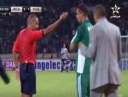 فيديو لحظة طرد طلال القرقوري في مباراة الرجاء والفتح الرباطي