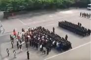 شاهد كيف تتعامل الشرطه مع المتظاهريين فى كوكب اليابان الشقيق