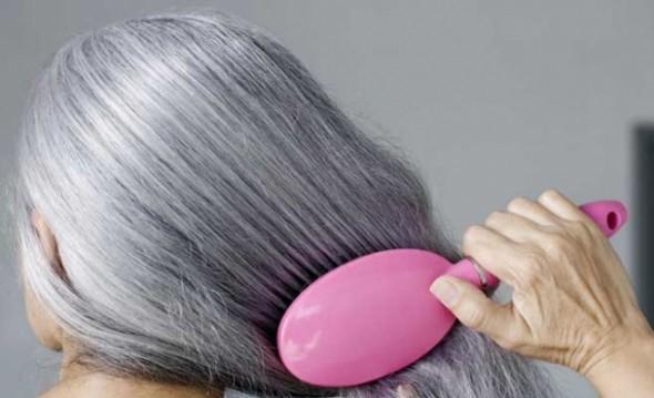 هذه أسباب ظهور الشعر الأبيض في وقت مبكر من السن