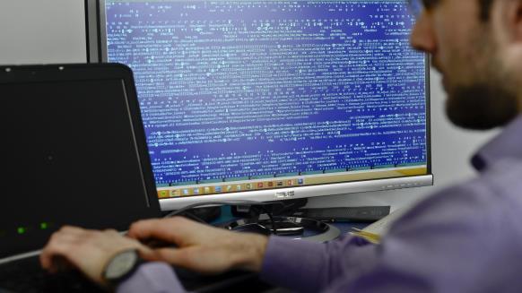 الحرب الإلكترونية.. عندما يصبح الحاسوب فتاكا
