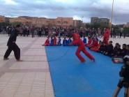 زاكورة : البطل المغربي في رياضة التحدي والخوارق محمد خليل يبهر جماهير زاكورة بعروضه الخطيرة