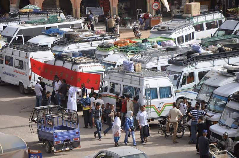 فيديو: جانب من إعتصام أرباب النقل المزدوج بإقليم تنغير امام مقر العمالة….