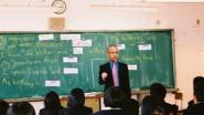 """الشوباني يبشر ساكنة جهة """"درعة-تافيلالت"""" بتعلم الإنجليزية قبل التوفر على أبسط الخدمات الاجتماعية والصحية والبنيات التحية"""