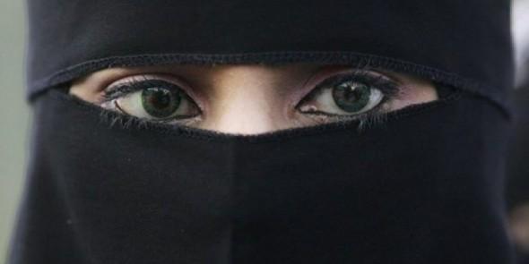وزارة الداخلية تمنع خياطة وتسويق لباس البرقع بالمغرب