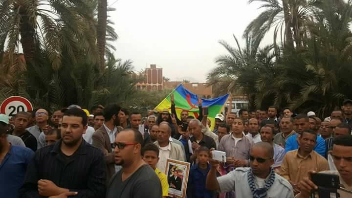 احتجاجات بتنغير تضامنا مع رئيس و موظف أفقر جماعة -فيديو