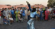 """الشرطة تعتقل """"حكيمة"""" أشهر راقص في ساحة جامع الفنا لهذا السبب:"""