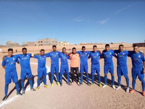 فريق النادي الرياضي لواحة تنغير في مواجهة فريق جمعية مستقبل الاخلاص
