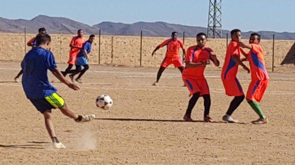 تازارين: فريق الخطارات يواجه فريق النجم في نهائي كأس العرش في كرة القدم