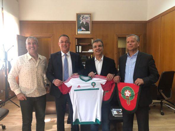 دعما لملف ترشيح المغرب لاحتضان كأس العالم 2026 فوزي لقجع يستقبل نجمي الكرتين الجزائرية والتونسية