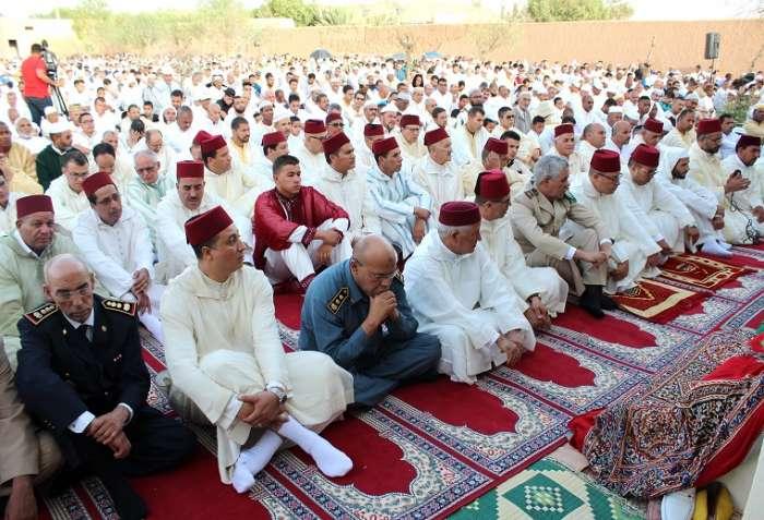 جموع المصلين يؤدون صلاة عيد الأضحى 1439 بمصلى المسيرة بالرشيدية
