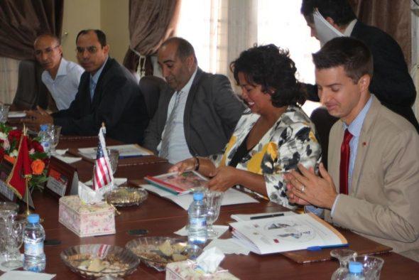 """ورزازات : القنصل العام للولايات المتحدة الأمريكية السيدة """"جينيفير راساميمانانا"""" في زيارة عمل لمقر غرفة التجارة والصناعة والخدمات لجهة درعة تافيلالت"""