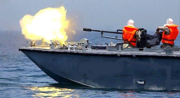 """البحرية الملكية تطلق النار على قارب يقوده إسباني يحمل """"حراگة""""، وتوقع إصابات خطيرة"""
