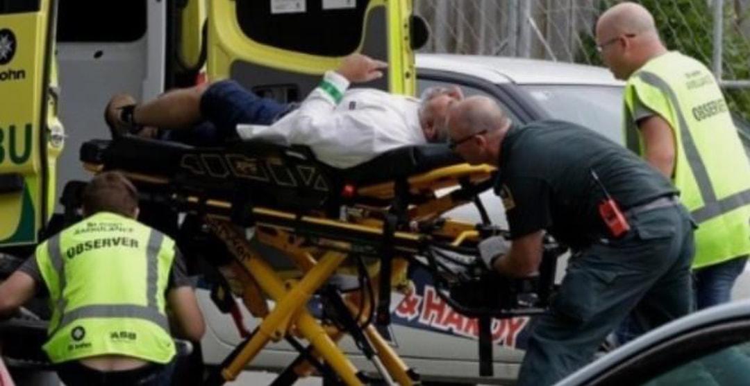 مذبحة في نيوزيلاندا.. عنصري يقتل حوالي 40 مسلما في مسجدين أثناء صلاة الجمعة