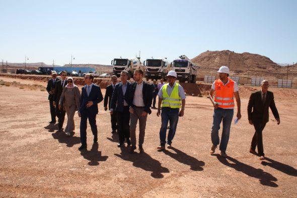 وزير الصحة رفقة عامل اقليم تنغير يقوم بزيارة لورش بناء المستشفى الاقليمي بتنغير